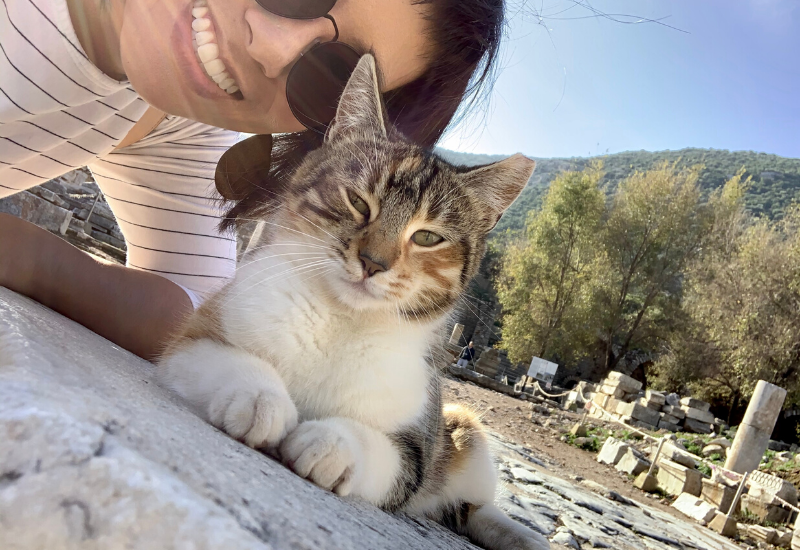 Wilda in selfie with cat at Ephesus, Turkey